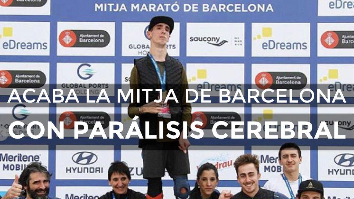 Àlex Roca, corredor con parálisis cerebral, finaliza la Mitja de Barcelona