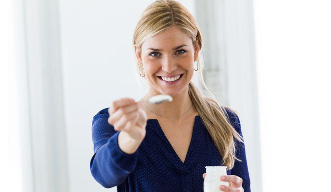 10 razones para tomar un par de yogures cada día