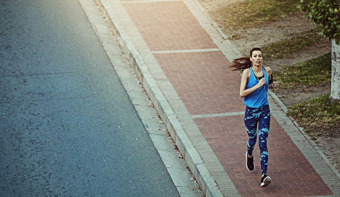 La consulta de Yola: Estoy agotada, cada vez corro más despacio ¿Qué suplemento natural me puede ayudar?