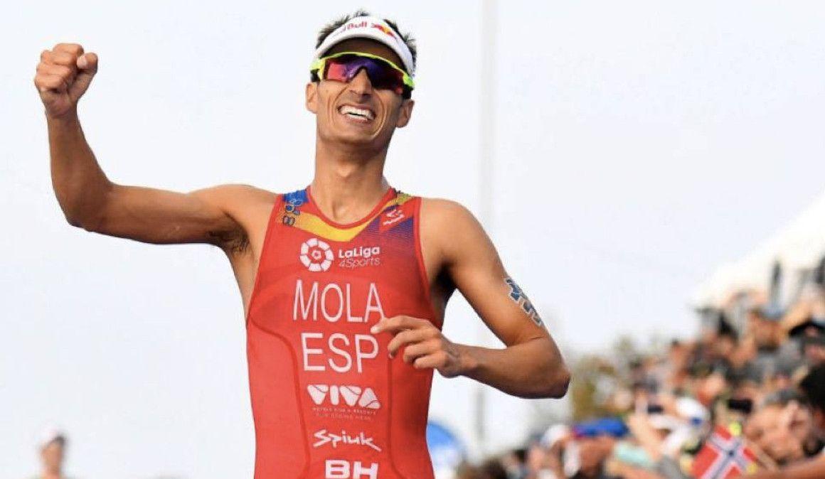Un 5K en 14:00 le da a Mario Mola el triunfo en Abu Dhabi