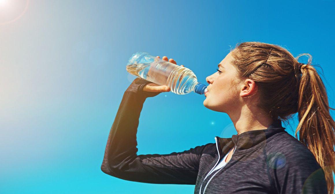 Vigila tu peso para saber si estás bien hidratado