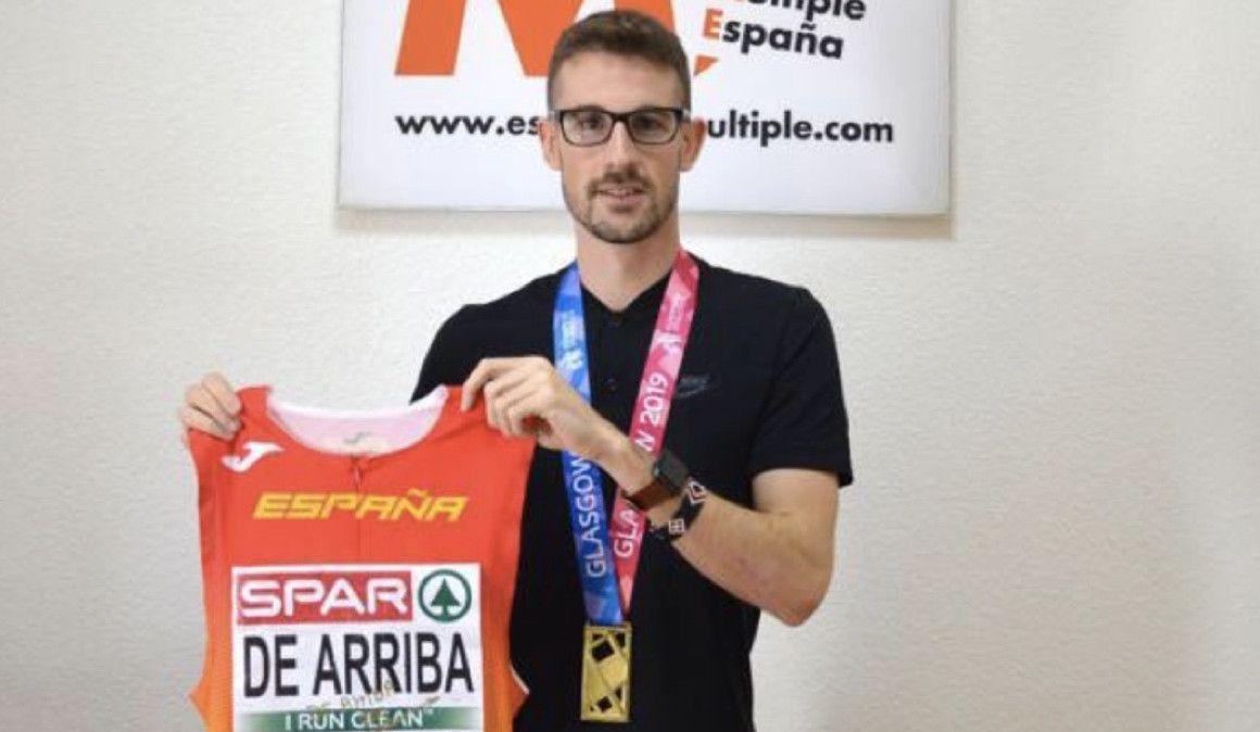 Álvaro de Arriba subastará su indumentaria del oro europeo y destinará la recaudación a la investigación contra la esclerosis múltiple