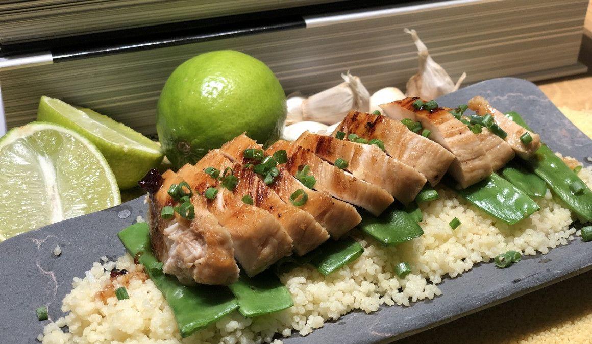 Receta muy fácil: pollo con cuscús de ajos y tirabeques
