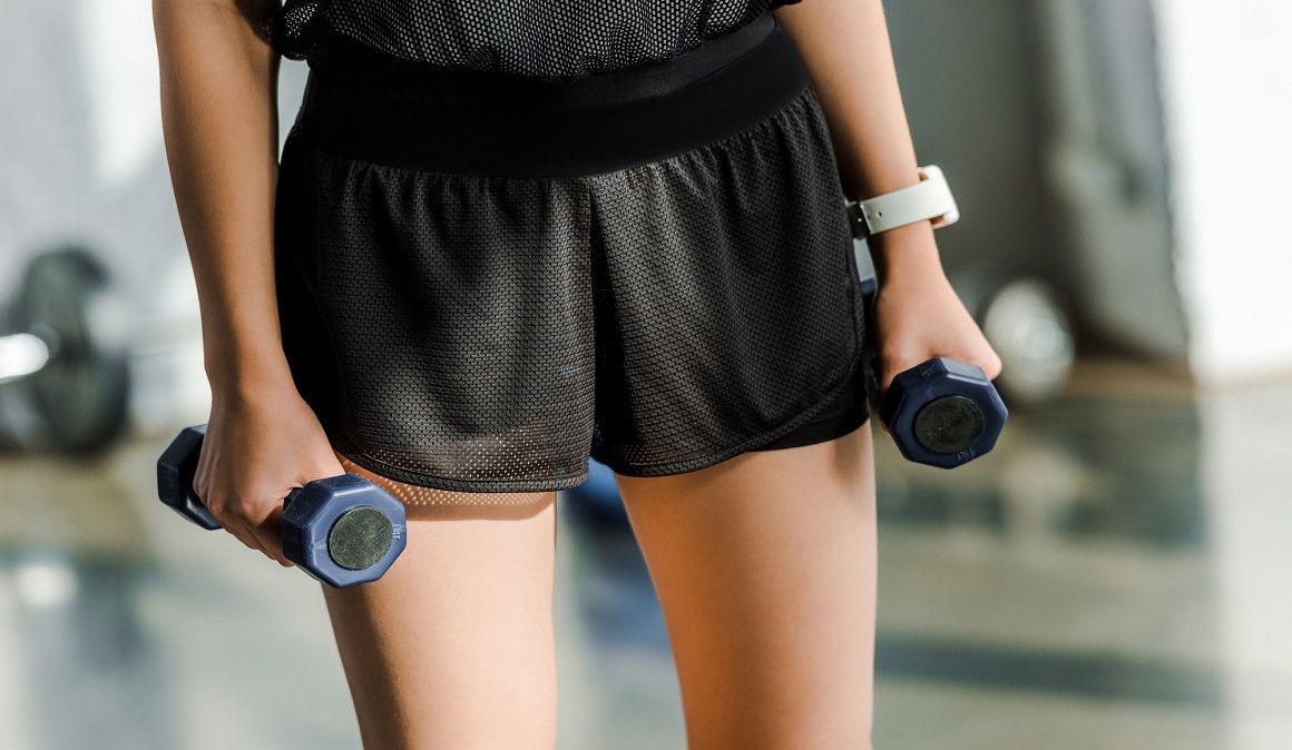 ¿Cómo se hacen los ejercicios con peso libre?
