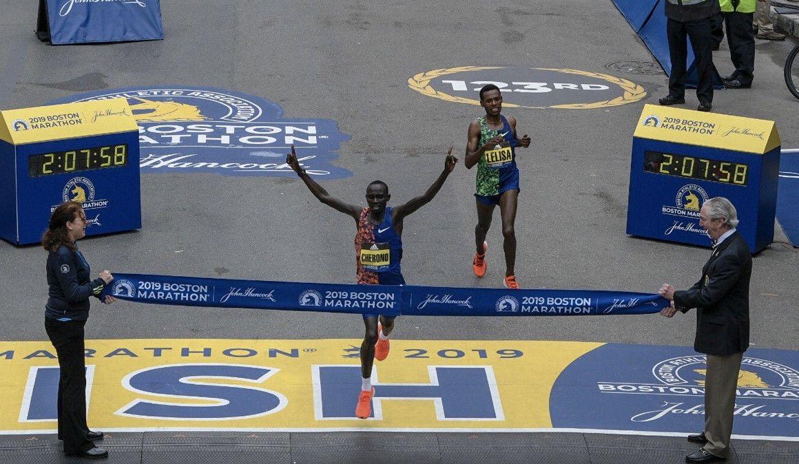 Impresionante final en el Maratón de Boston