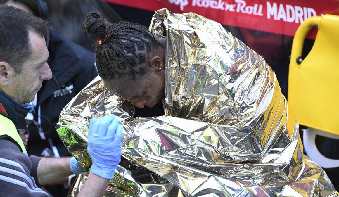 130 corredores atendidos por Emergencias, uno por infarto en el EDP RnR Madrid Maratón