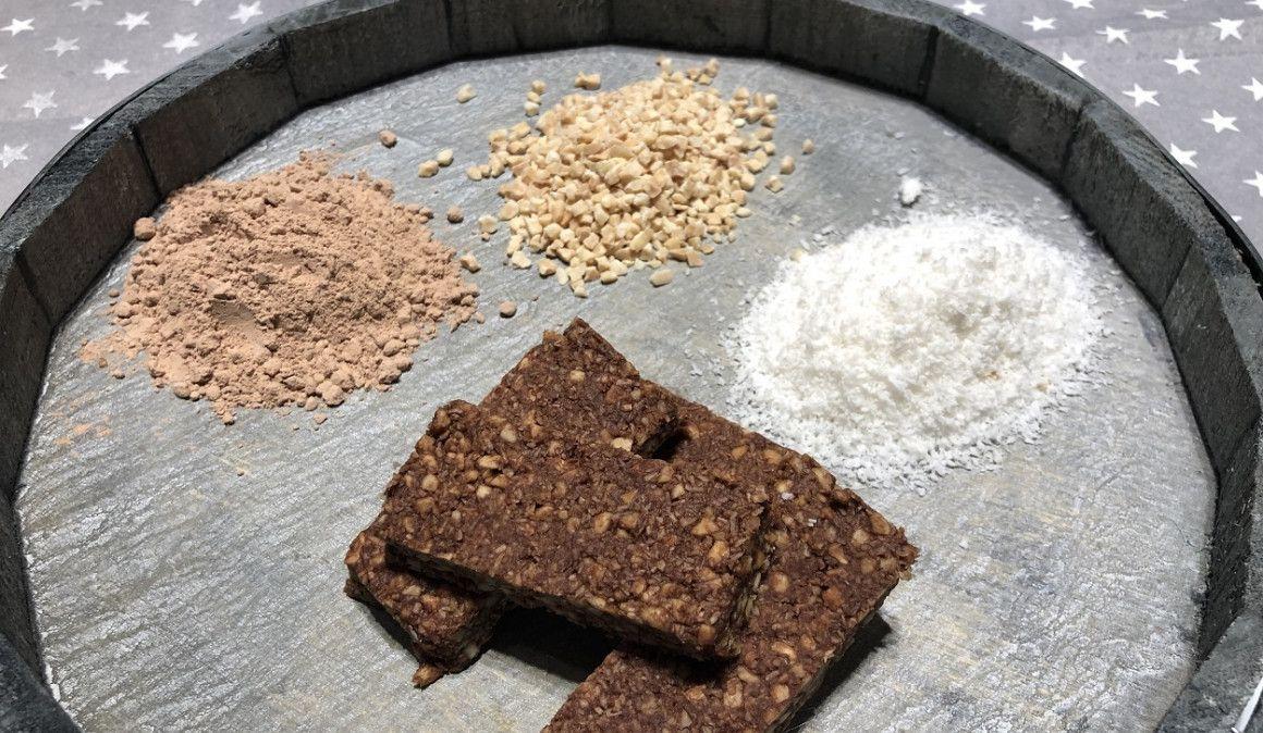 Barrita energética casera de cacao y coco