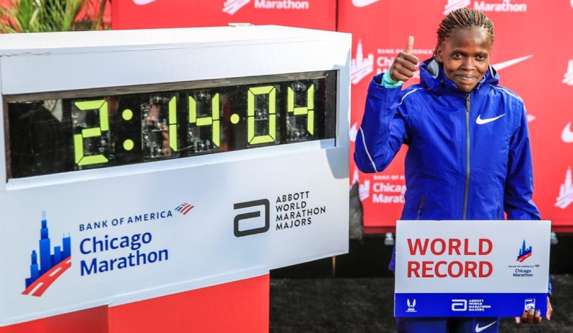 ¡Kosgei bate el récord del mundo de maratón en Chicago!