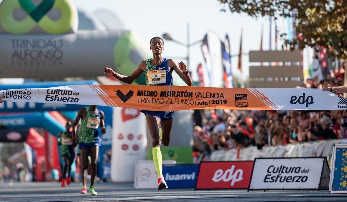 Emoción sin récords en el Medio Maratón de Valencia