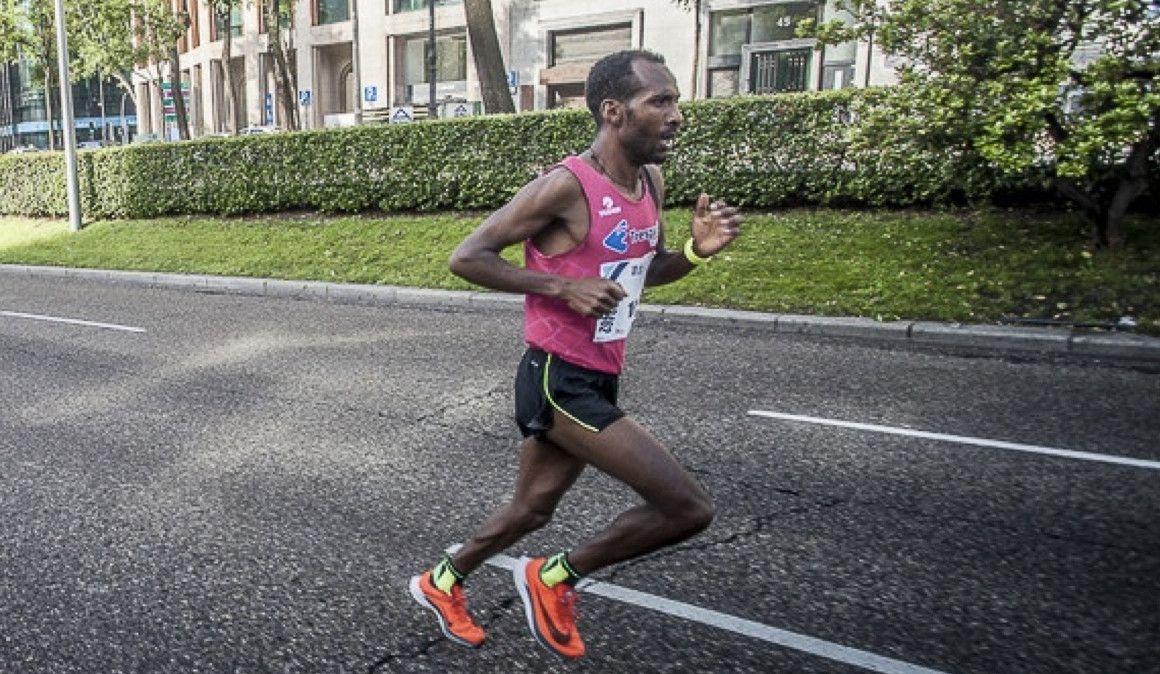 En 2018 le detienen en la Operación Relevo y ahora 2h08 en maratón