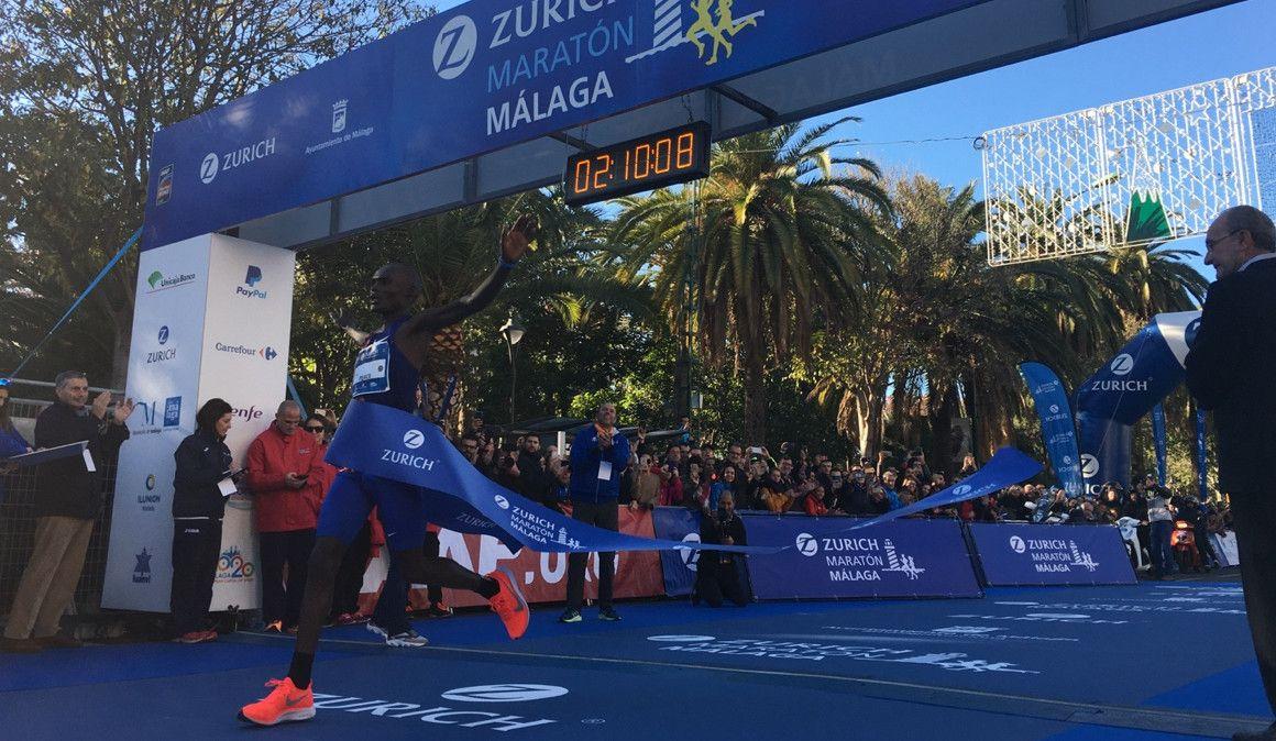 Récord y victoria para la liebre en el Maratón de Málaga