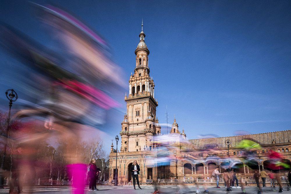 Inscríbete al Maratón de Sevilla y consigue 6 meses de CORREDOR\ por 1€ más