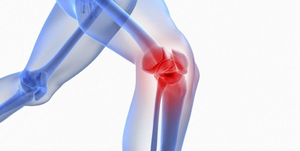 Los dolores de rodillas de las mujeres corredoras