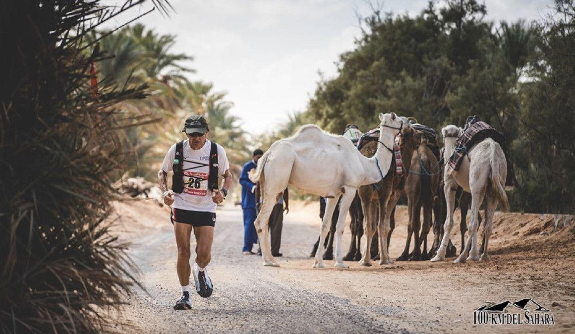 El calor no derrota a los participantes de los 100 kilómetros del Sahara