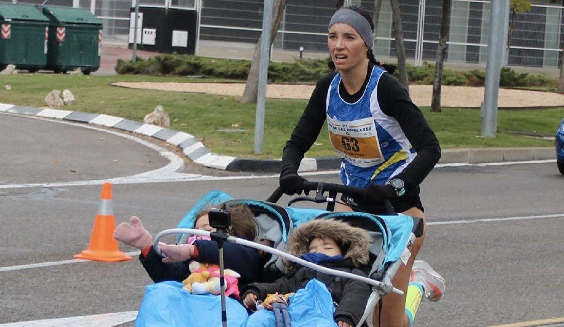 Nuevo récord guiness de 10K con carrito de dos niños