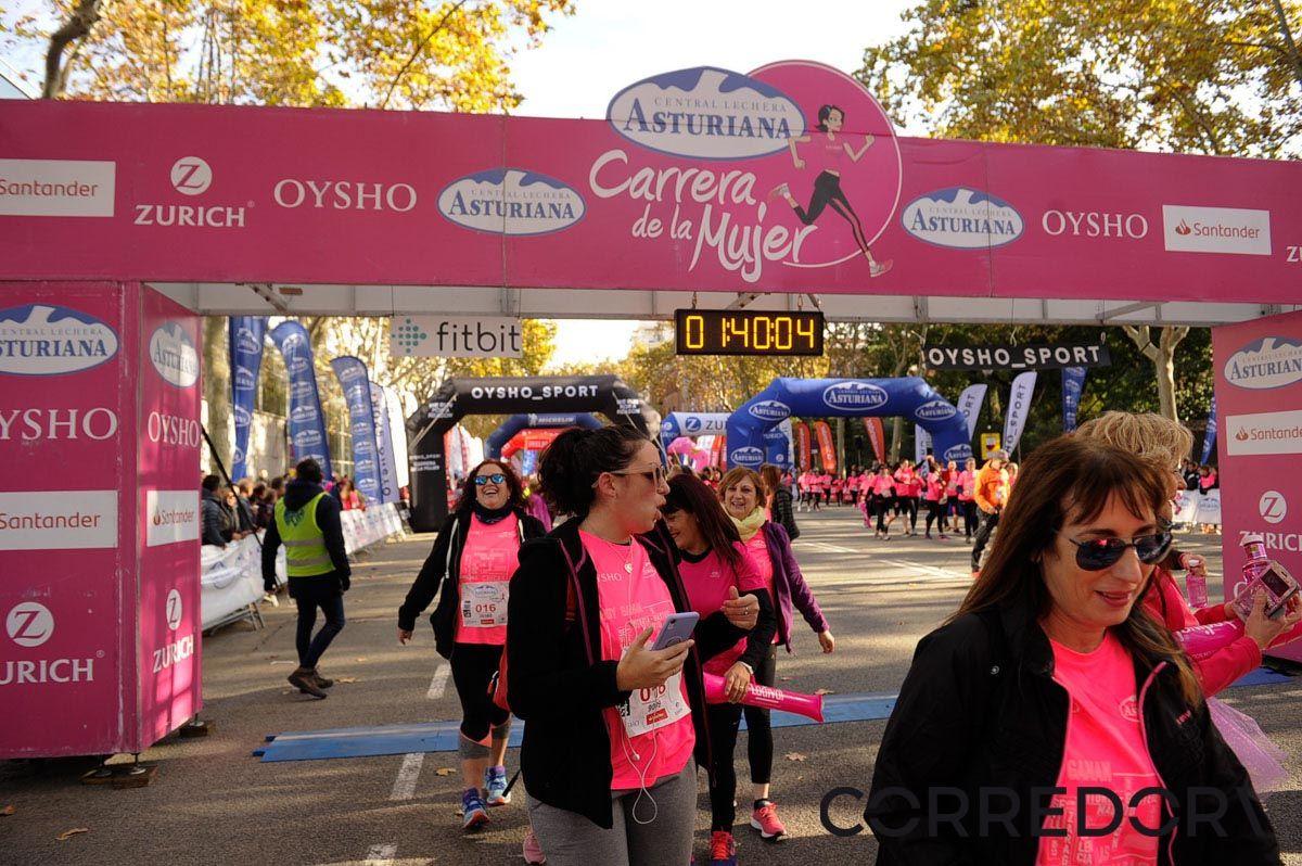 Llegada de la Carrera de la Mujer de Barcelona (ARCO IZQUIERDO 88)