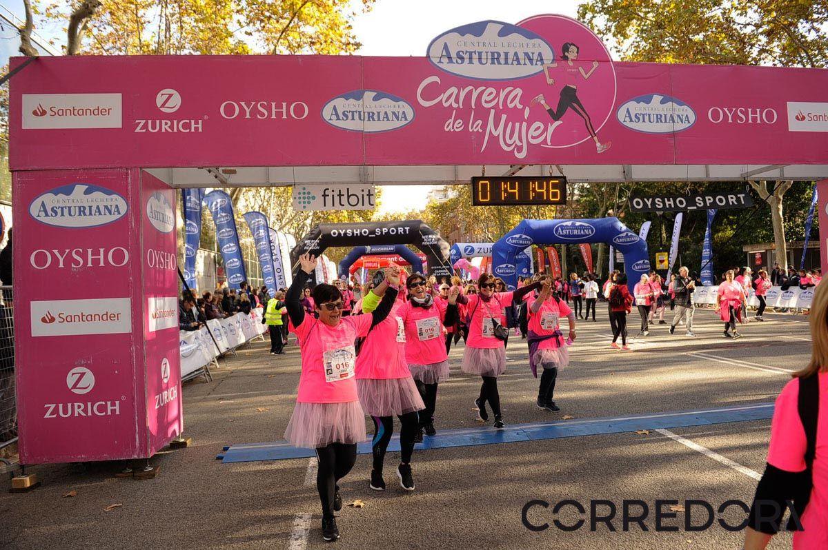 Llegada de la Carrera de la Mujer de Barcelona (ARCO IZQUIERDO 89)