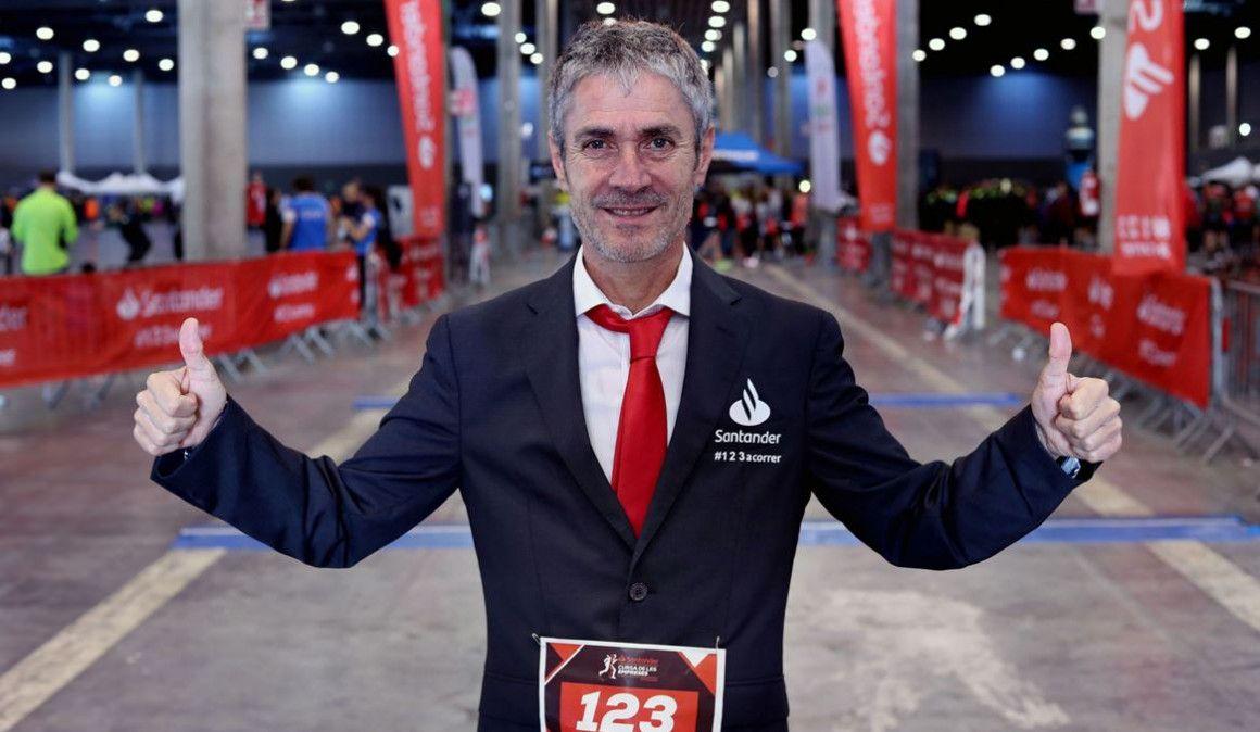 Fiz, el corredor más elegante en la Carrera de las Empresas de Barcelona