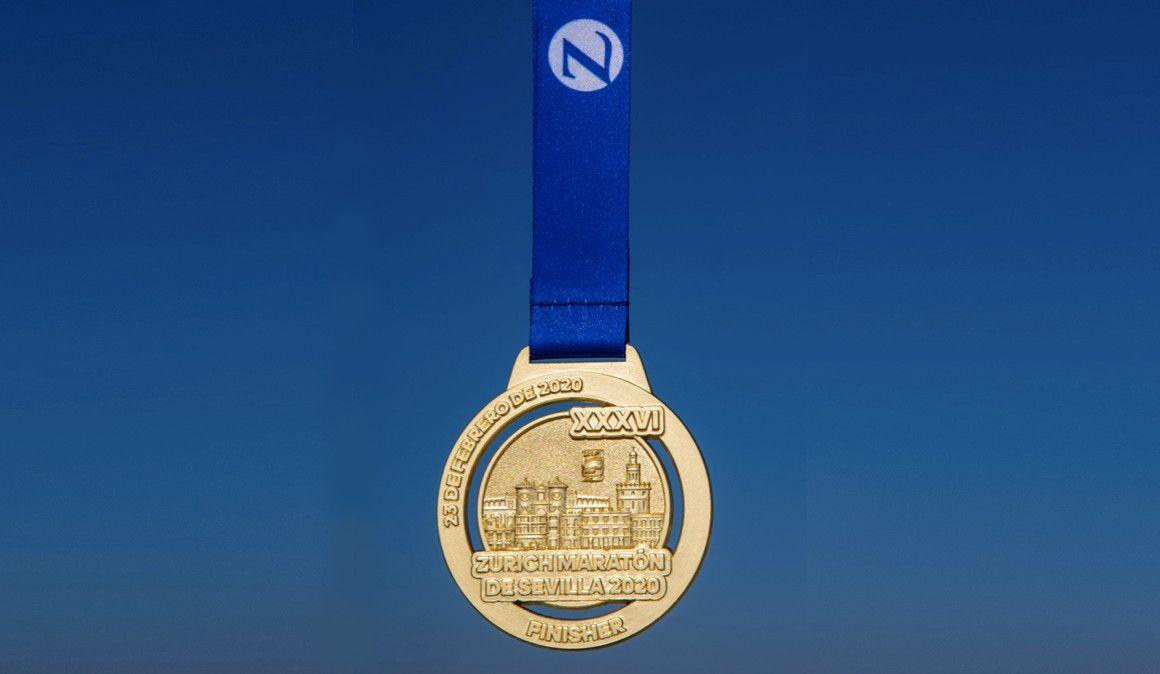 Así es la medalla del Maratón de Sevilla 2020